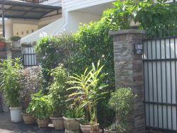 http://alamsakti.com/wp-content/uploads/2011/10/pagar-rumah.jpg